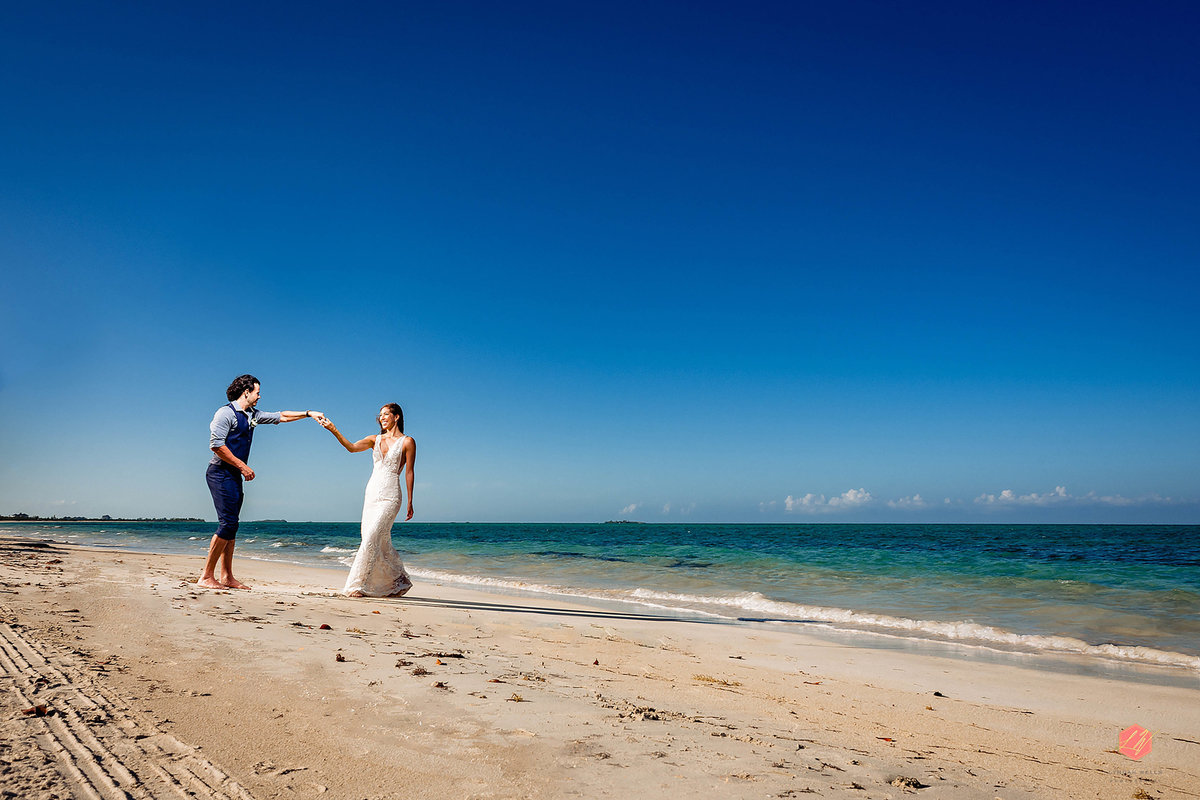Kamalame Cay Bahamas Destination weddingg by Lyndah Wells Photography_0014