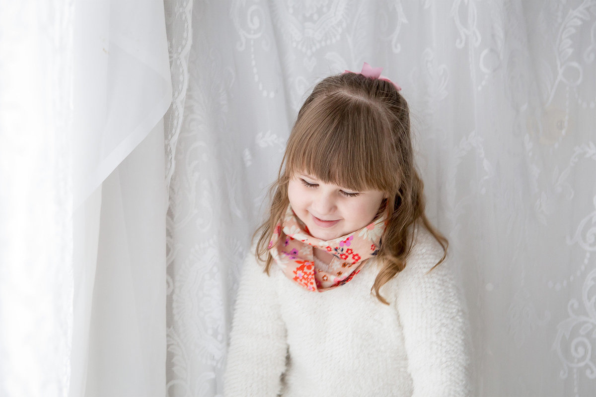soft, pretty, casual, fun children's portraits Hudson Valley photographer Cornwall NY photo studio