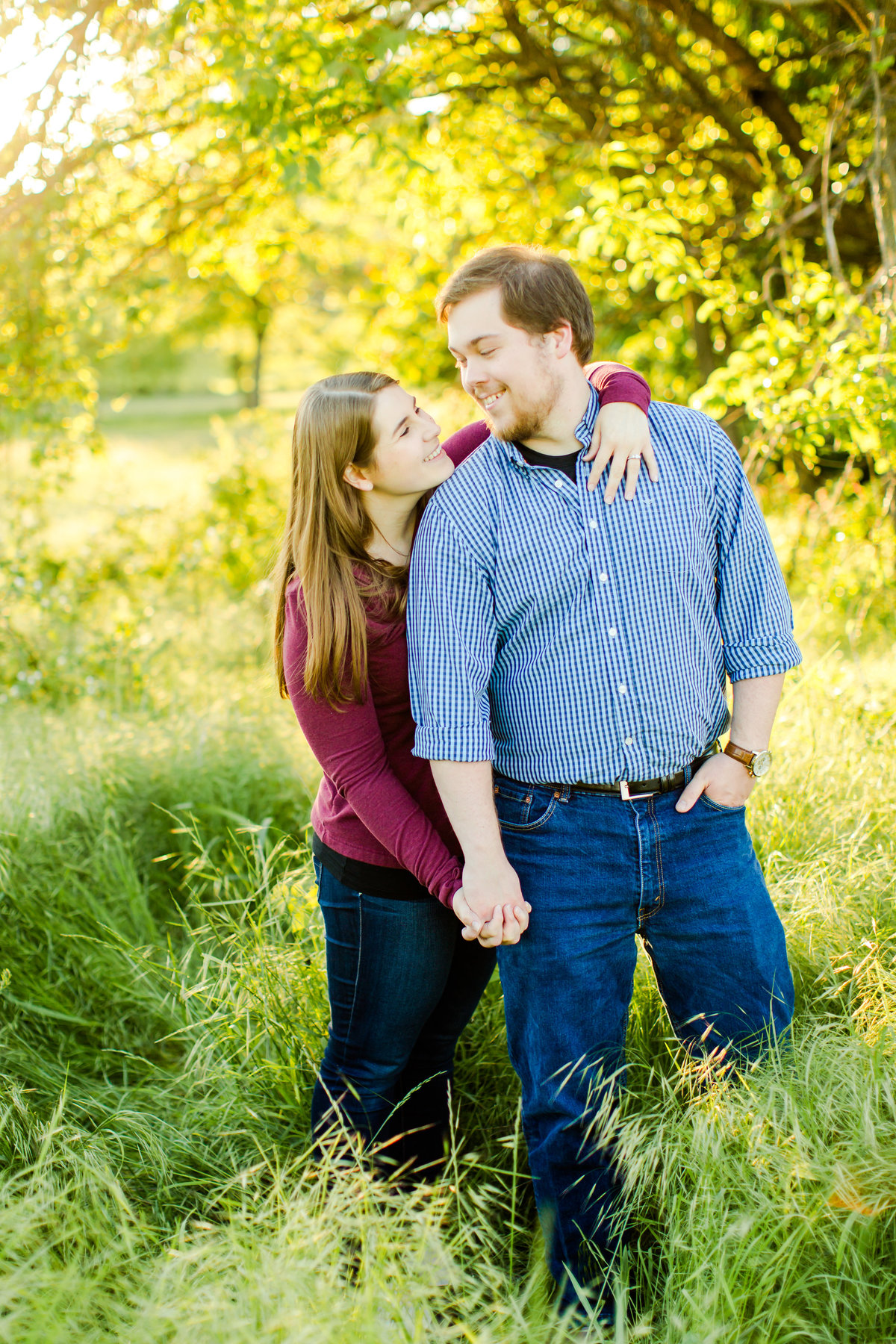 engagement-session-at-whitehall-manor-in-bluemont-virginia-emily-sacra-photography-43