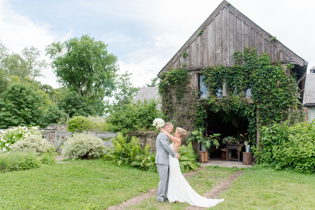 Blue Hill at Stone Barns Wedding-New York Wedding Photographer-Jaclyn and Colin Wedding 181624-13