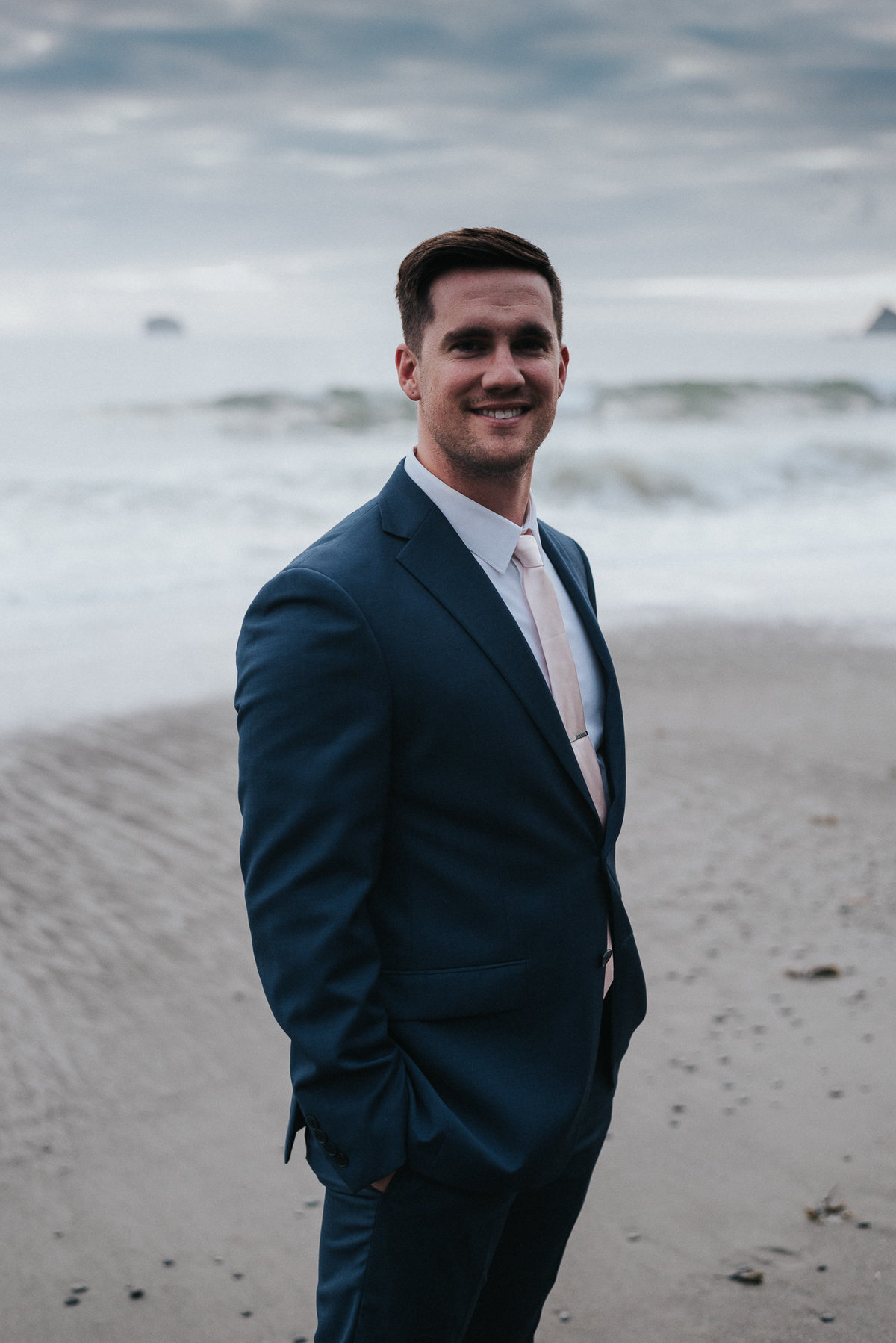 Groom portrait in La Push ,Washington