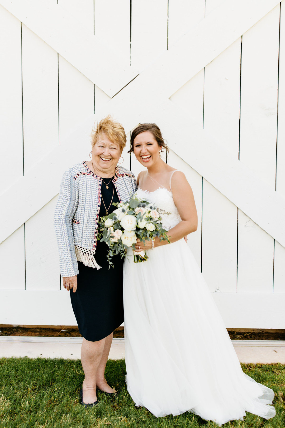 Alexa-Vossler-Photo_Dallas-Wedding-Photographer_North-Texas-Wedding-Photographer_Stephanie-Chase-Wedding-at-Morgan-Creek-Barn-Aubrey-Texas_33