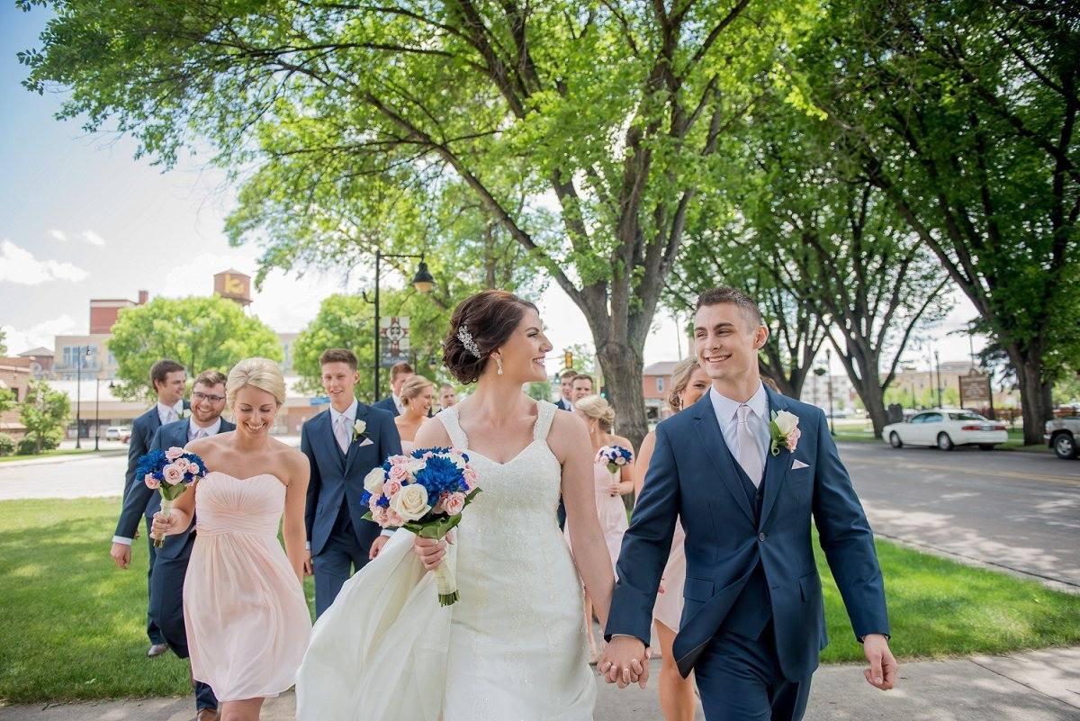 Urban Fargo summer downtown weddings and wedding parties photos by Kris kandel