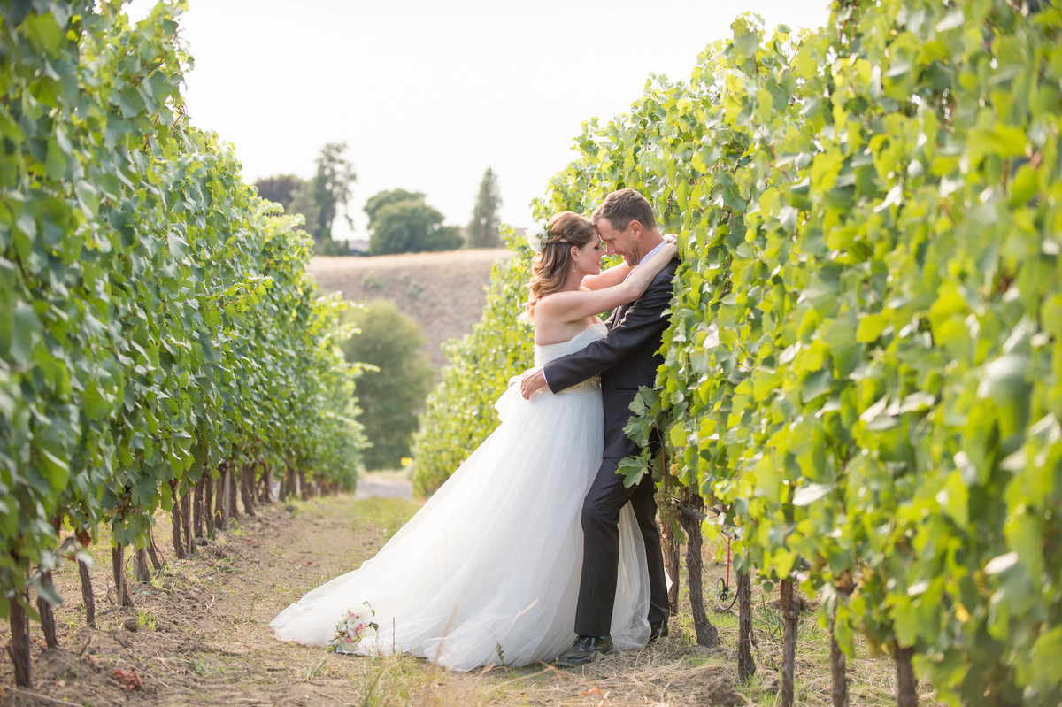 Kelowna  Okanagan Wedding Photography Suzanne Le Stage-3