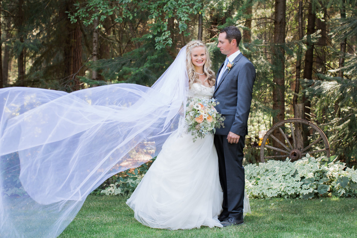 Bride and Groom Red Tail Canyon Farms Wedding Lynette Smith Photography