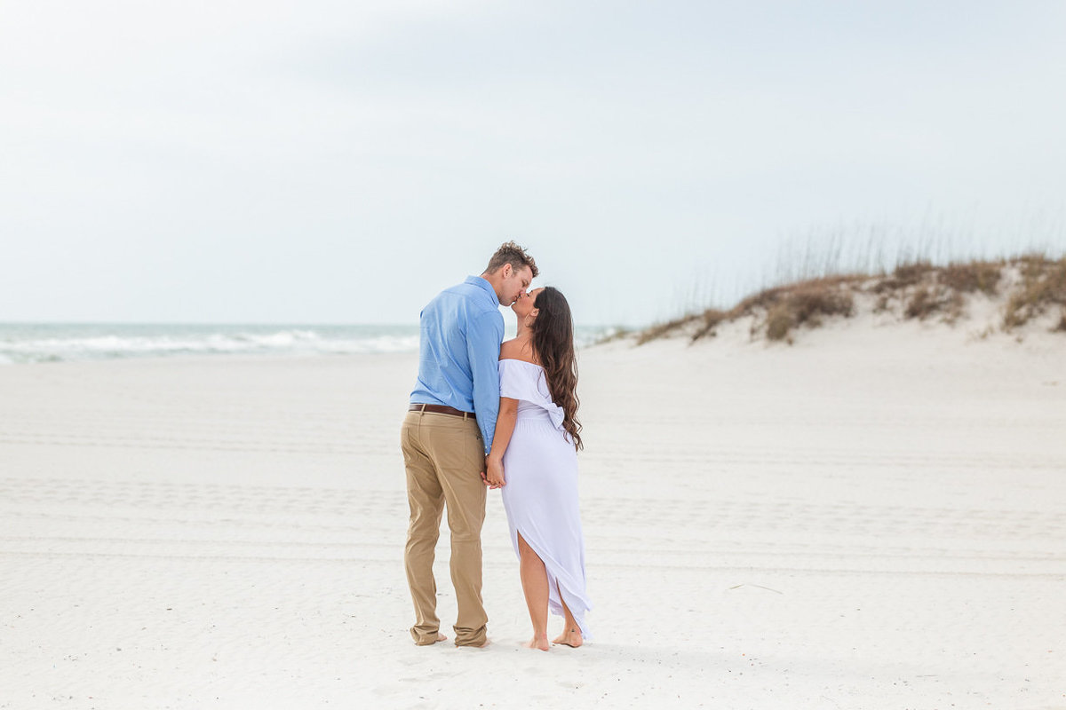 beach portrait session in gulf shores by toni goodie photography