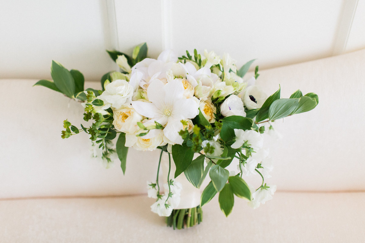 50_green_white_florals_bridal_bouquet