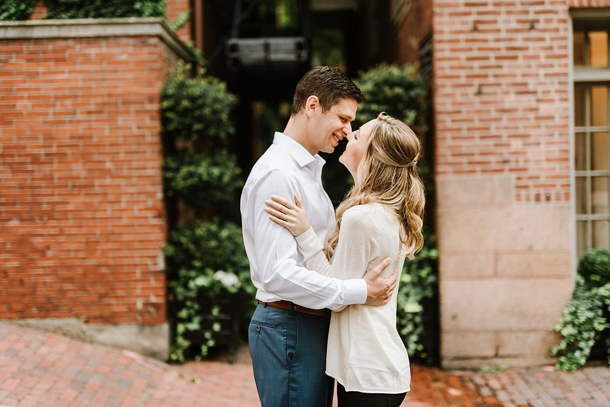 boston-public-garden-beacon-hill-boston-wedding-photographer-engagement-photo_0020