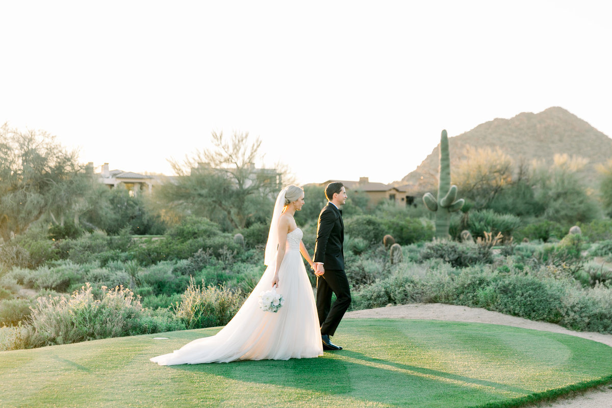 Karlie Colleen Photography - Arizona Wedding at The Troon Scottsdale Country Club - Paige & Shane -690