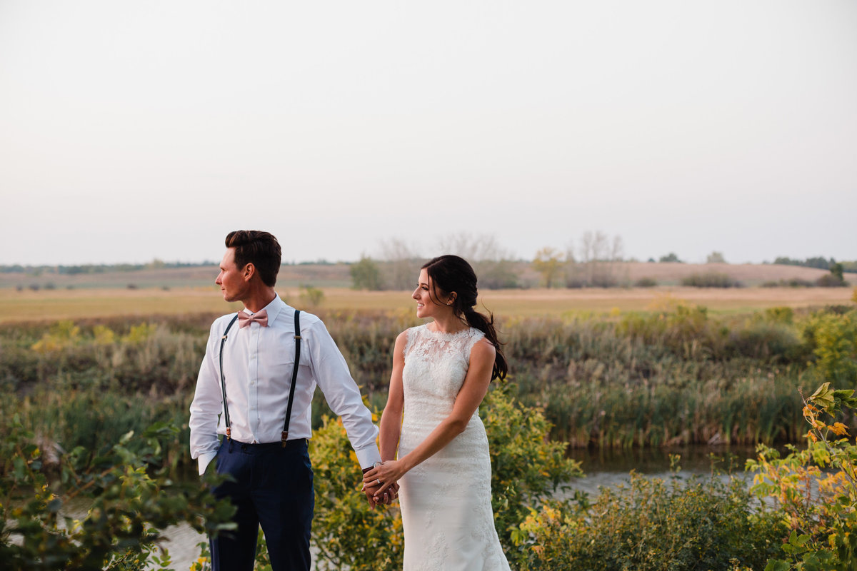 Modern wedding photos at golden hour