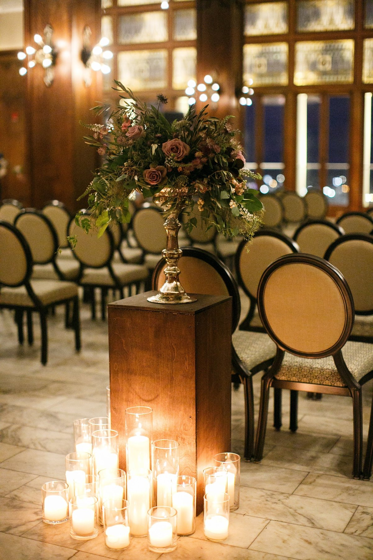 Life in Bloom Best Chicago Wedding Florist and Event Designers White City Ballroom Chicago Atheltic Association Wedding4