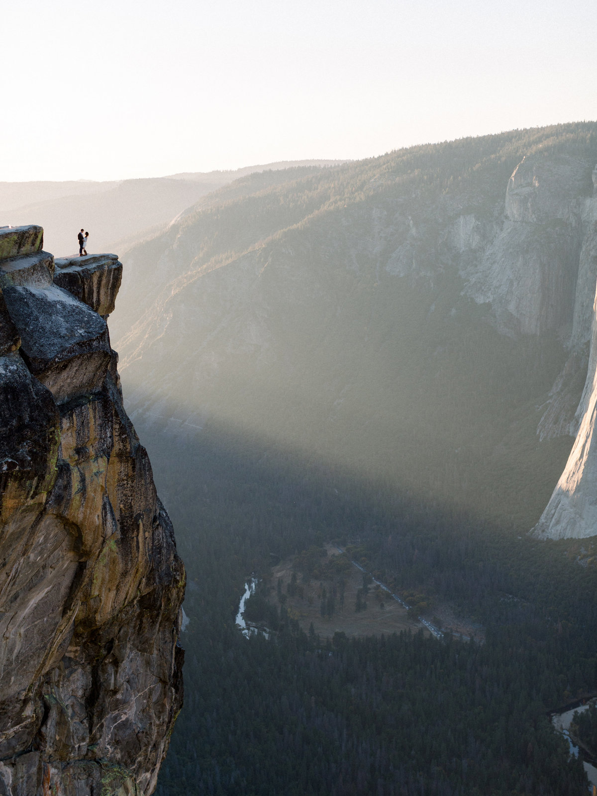 Amy + Alec Yosemite Taft Point Sunset Engagement Session Sneak Peeks - Cassie Valente Photography 0002