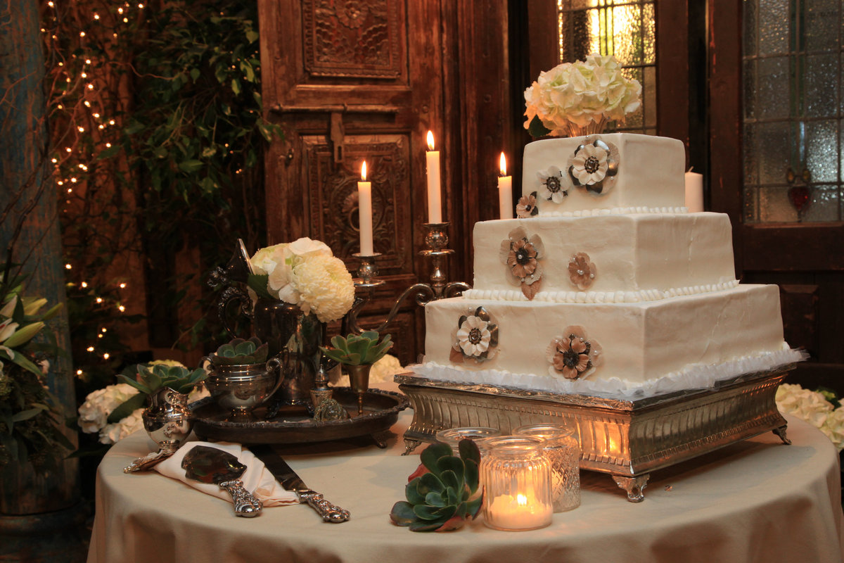kassel Photography captures every detail of your wedding. Cake,decor,and table settings.