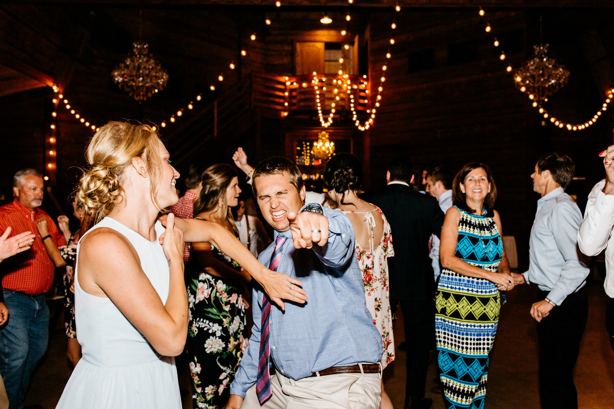 Alexa-Vossler-Photo_Dallas-Wedding-Photographer_North-Texas-Wedding-Photographer_Stephanie-Chase-Wedding-at-Morgan-Creek-Barn-Aubrey-Texas_169