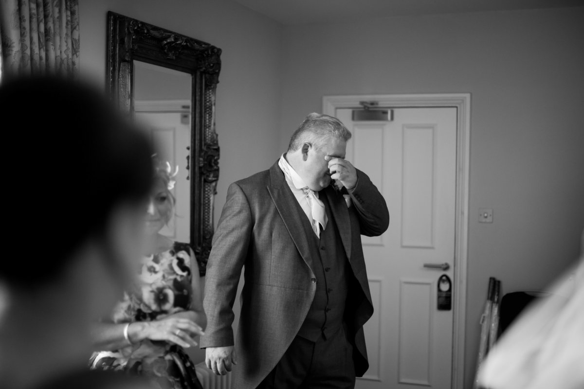 emotional wedding photos in devon