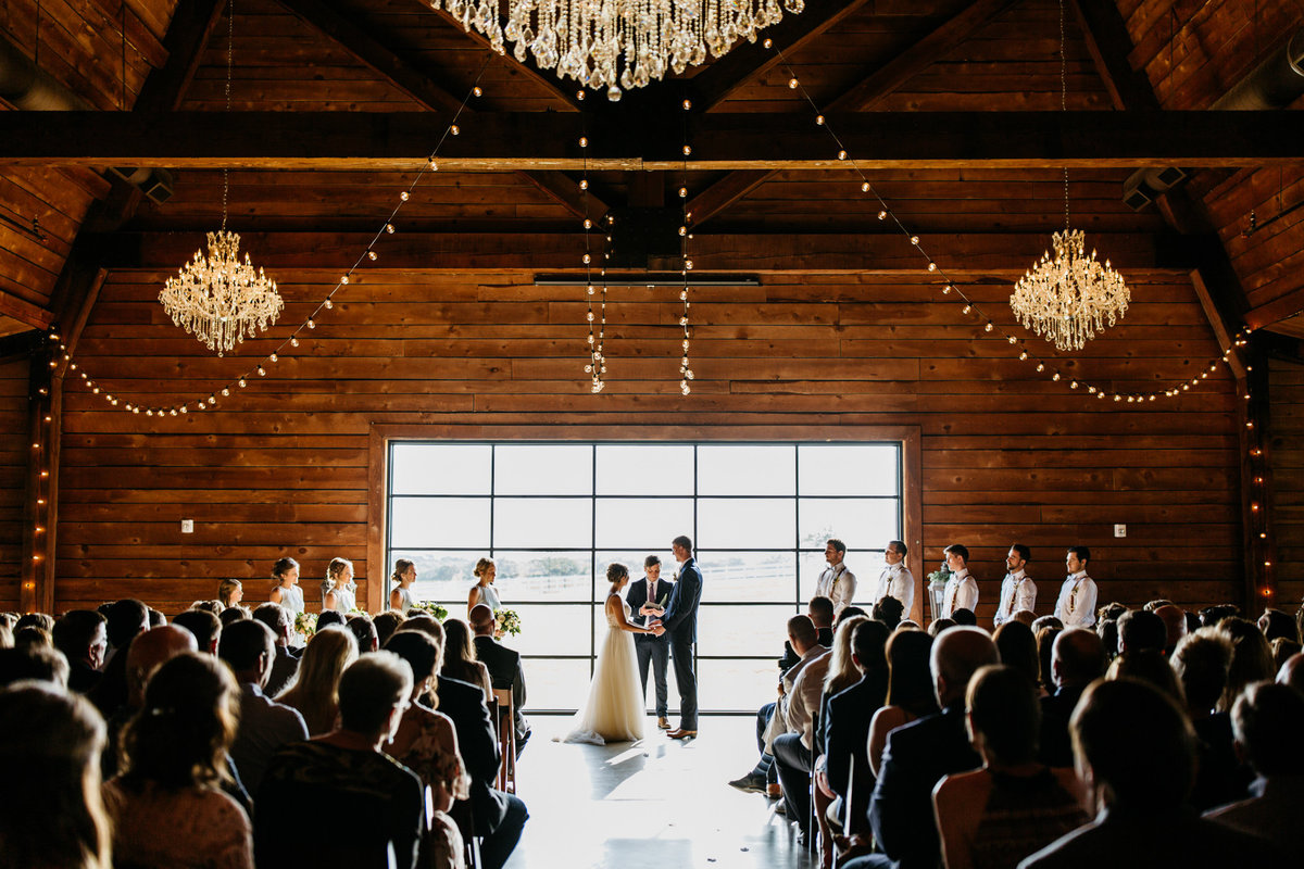 Alexa-Vossler-Photo_Dallas-Wedding-Photographer_North-Texas-Wedding-Photographer_Stephanie-Chase-Wedding-at-Morgan-Creek-Barn-Aubrey-Texas_91