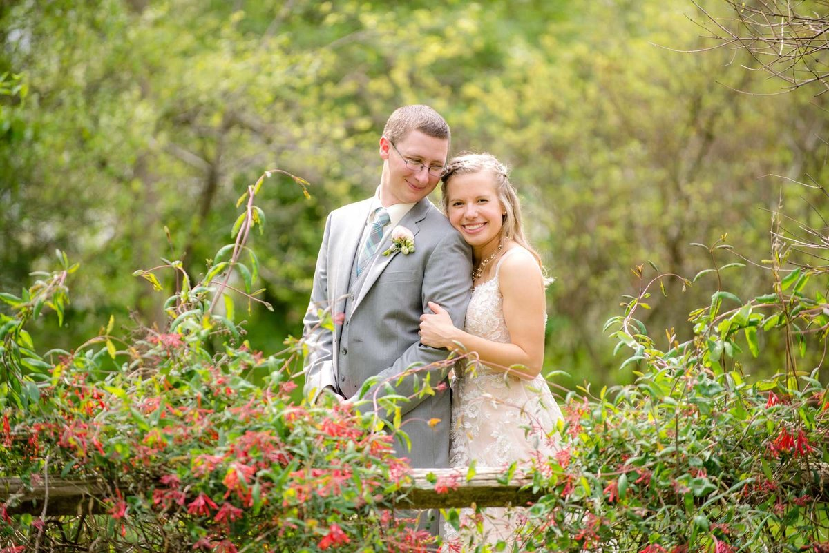 janddstudio-outdoor-wedding-flowers-spring-photography-rustic