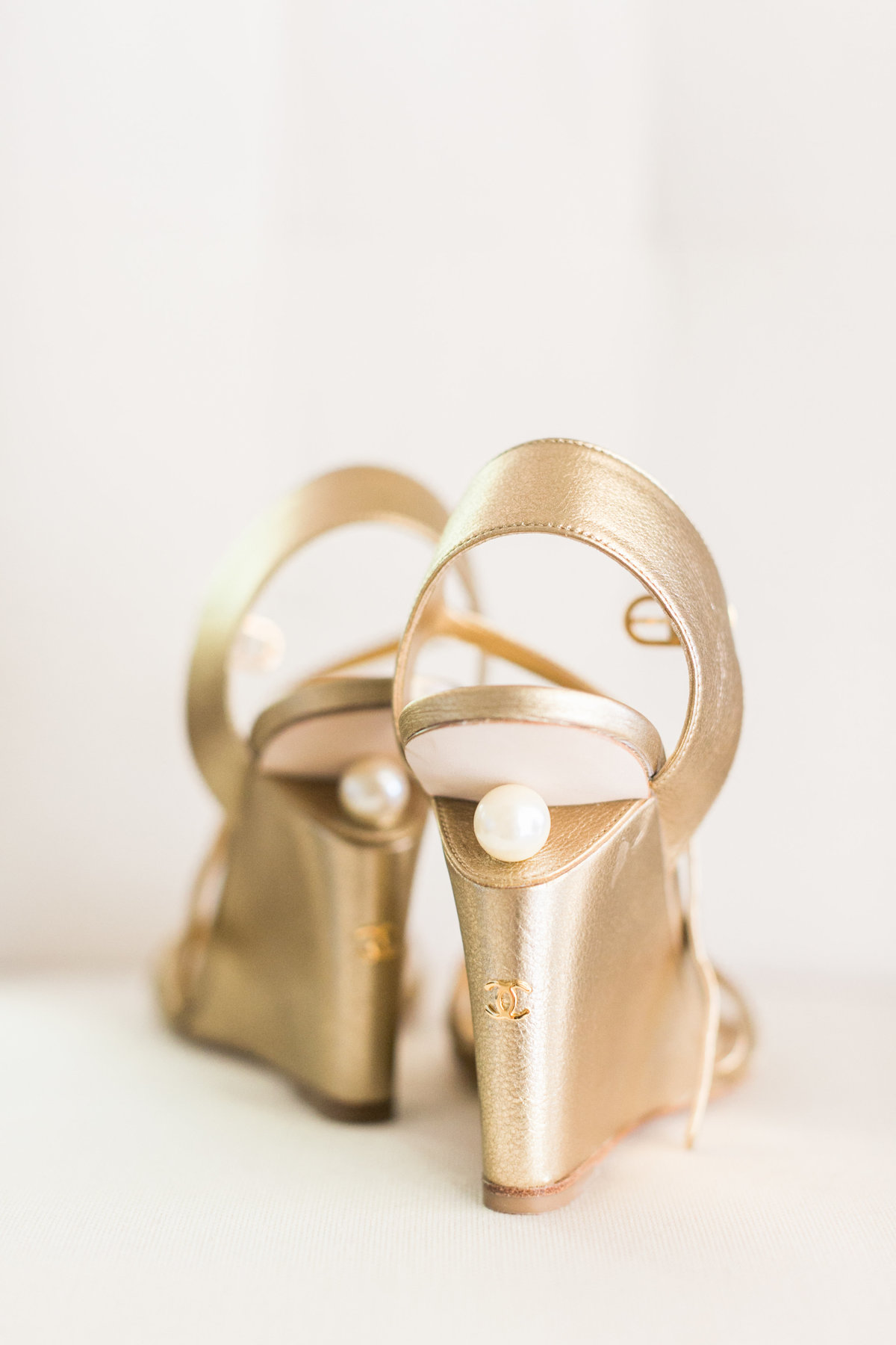 Gold Chanel wedding shoes, wedge with a pearl on the backside