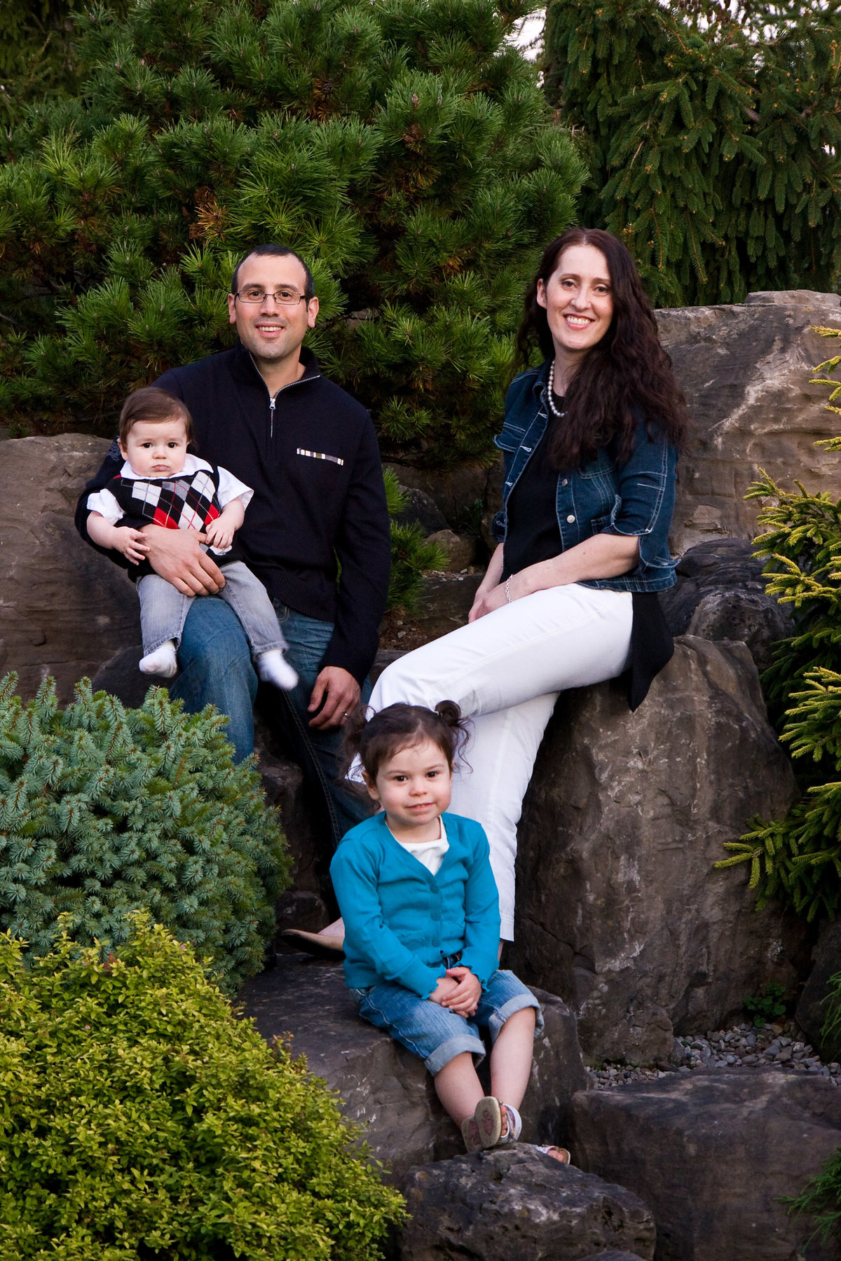 Family Portrait on rocks at arboretum