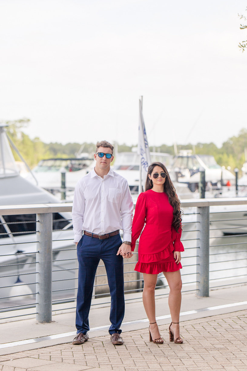 sunglasses engagement pictures | toni goodie photography