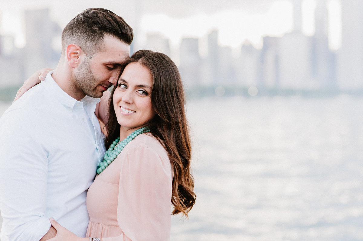 downtown-chicago-skyline-engagement-photo-5
