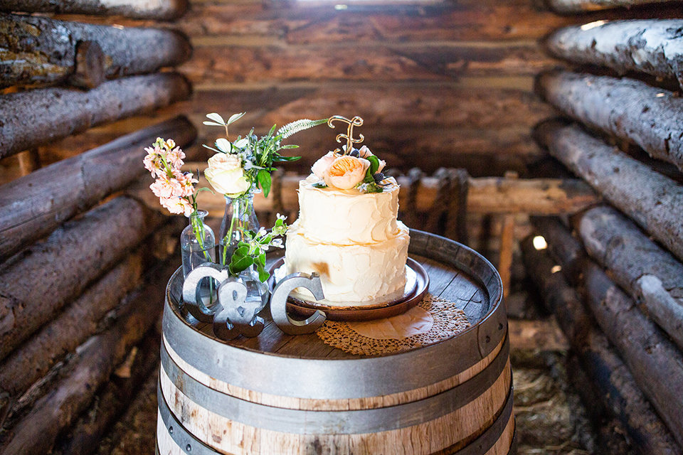 Strawberry-Creek-Ranch-Wedding-Ashley-McKenzie-Photography-Small-Wildflower-Outdoor-Wedding-Cake