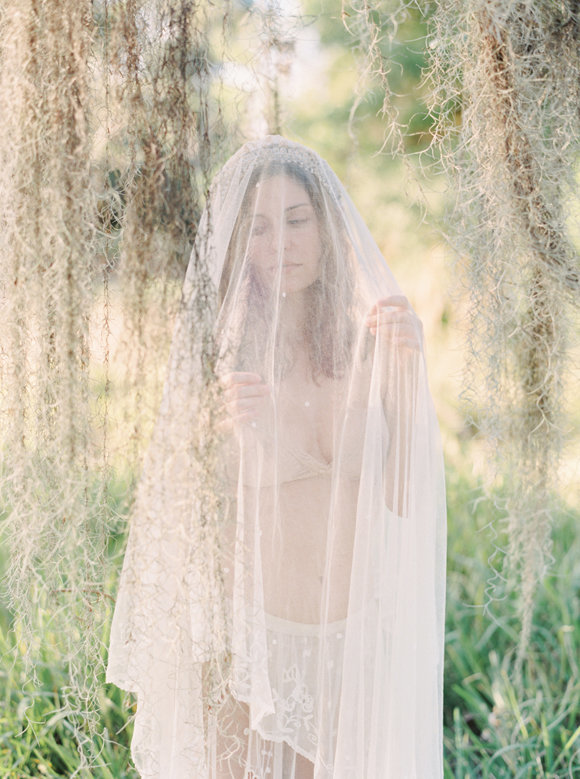 organic-outdoor-boudoir-inspiration-gossamer-gathered-melanie-gabrielle-photography-146