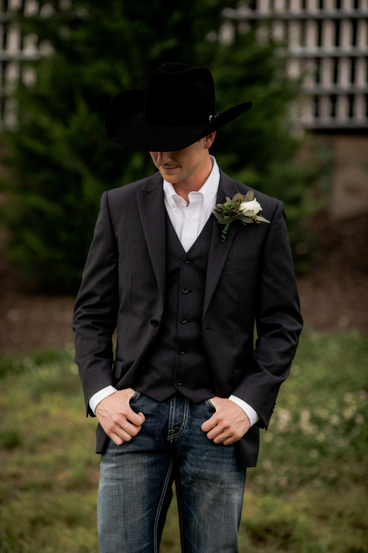 Nsshville Bride - Nashville Brides - The Hayloft Weddings - Tennessee Brides - Kentucky Brides - Southern Brides - Cowboys Wife - Cowboys Bride - Ranch Weddings - Cowboys and Belles057