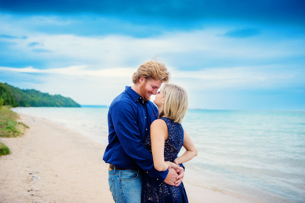 northern-michigan-engagement-photographers-8