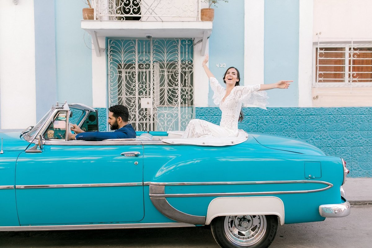 Magdalena+Studios+Destination+Wedding+Photographer+Havana+Cuba+Stylish+Elopement19