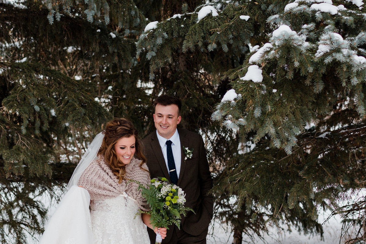 Winter Bride and Groom Photos Fur Cowl