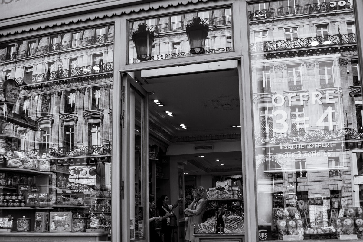 Streets of Paris BW 83
