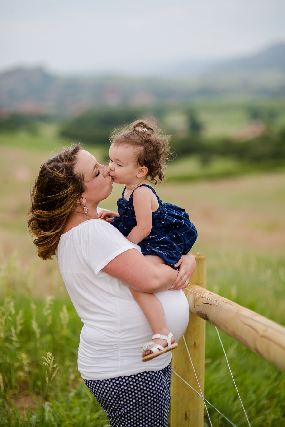 Maternity Photographer in Castle Rock