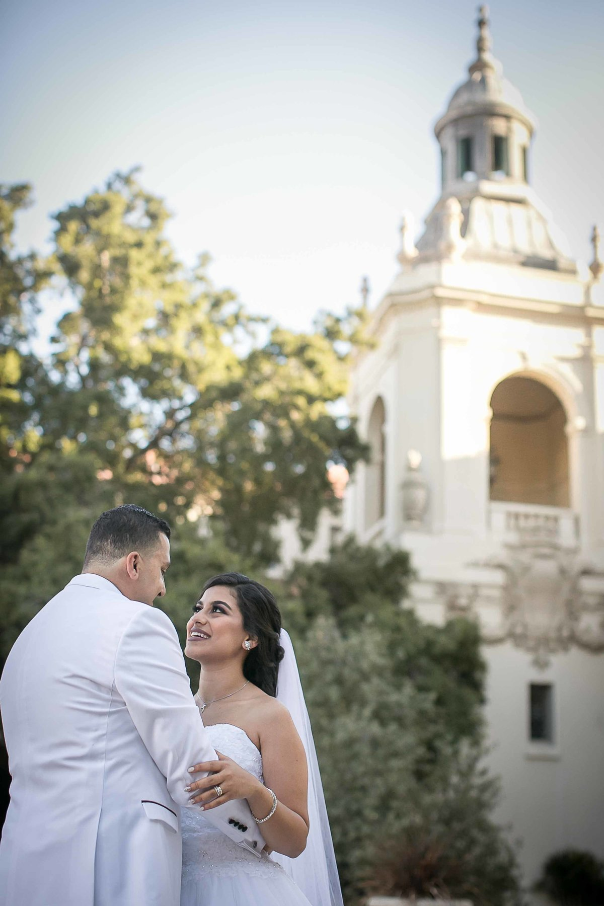 Wedding Portraits In Pasadena City Hall_