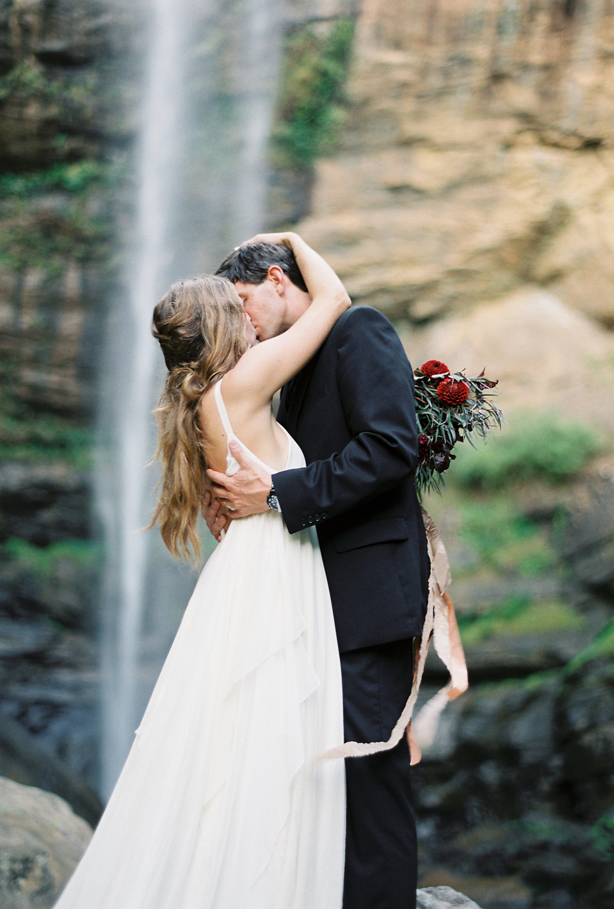 toccoa-falls-anniversary-session-melanie-gabrielle-photography-104