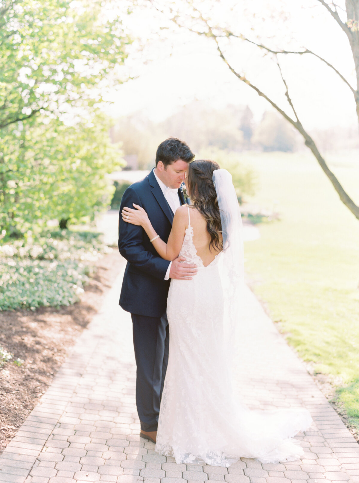 TiffaneyChildsPhotography-ChicagoWeddingPhotographer-Chloe+Jon-HinsdaleCountryClubWedding-BridalPortraits-116