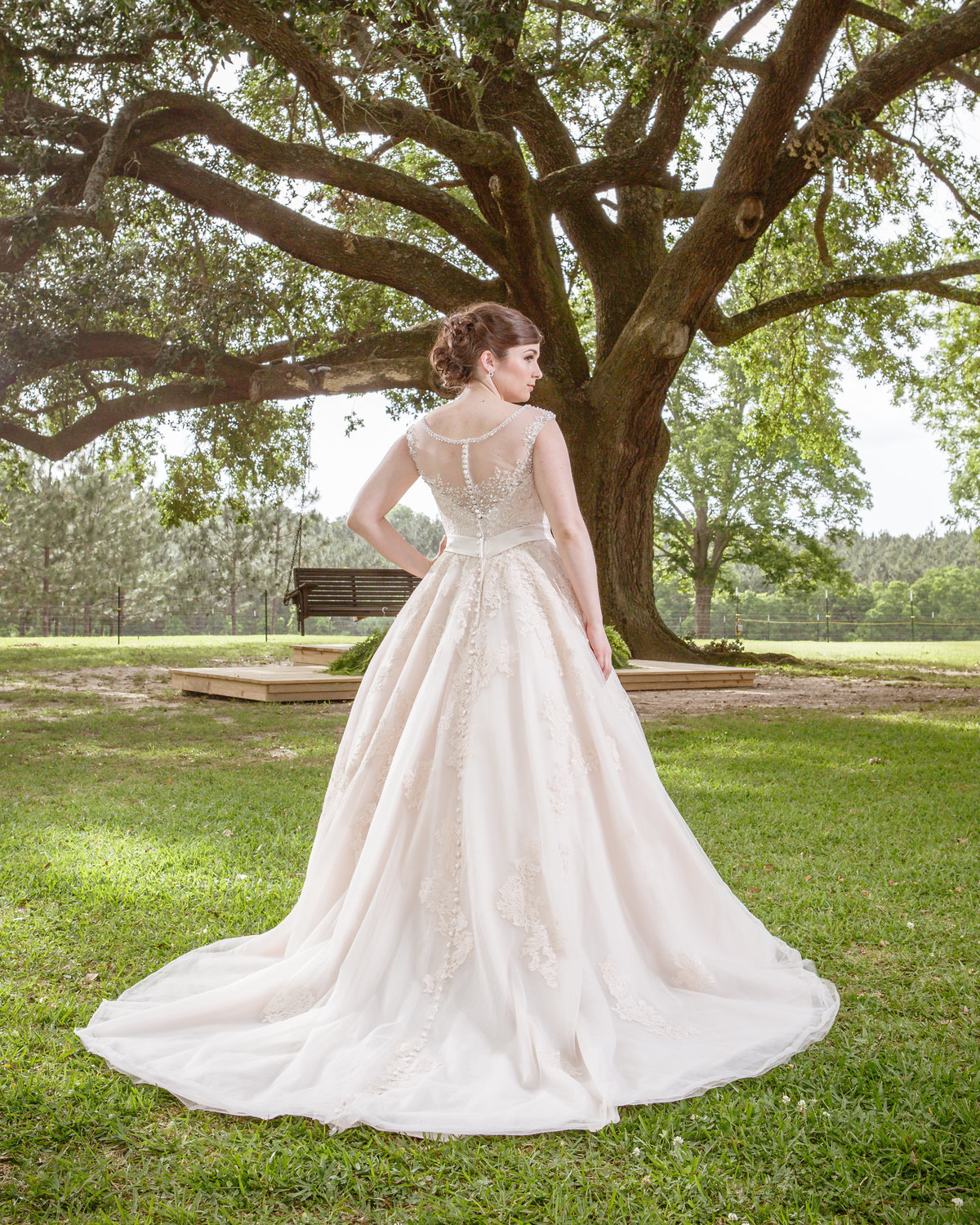 Carlyn Mothershed bridal photo at her home in Foley, Alabama.