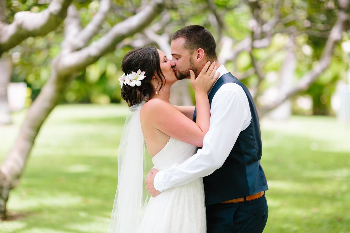 snohomish wedding photography goes tropical