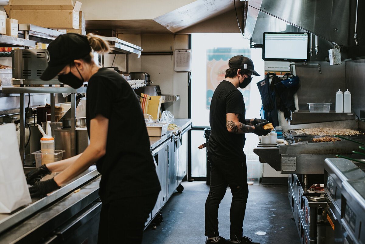 Lindsay-Kreighbaum-los-angeles-food-photographer-covid-documentary-project-25