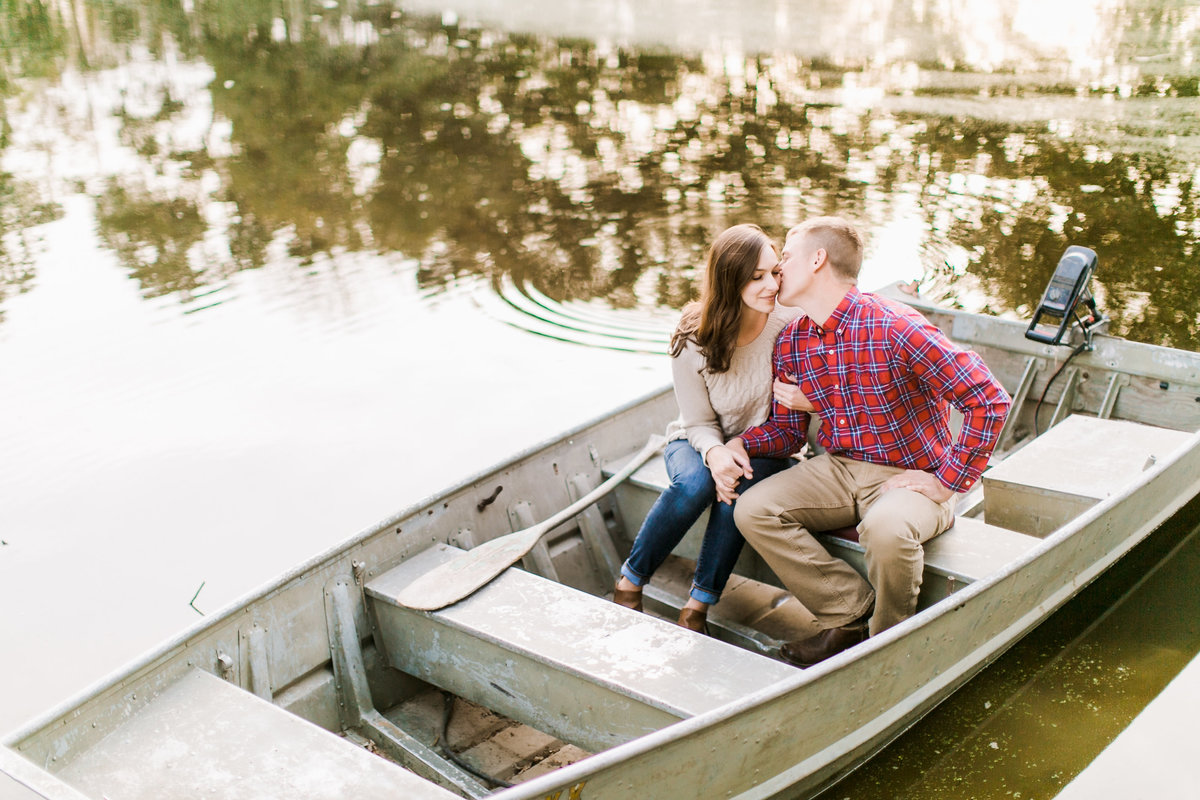 HermannEngagementSession_MissouriWeddingPhotographer_AliciaDan_CatherineRhodesPhotography-98