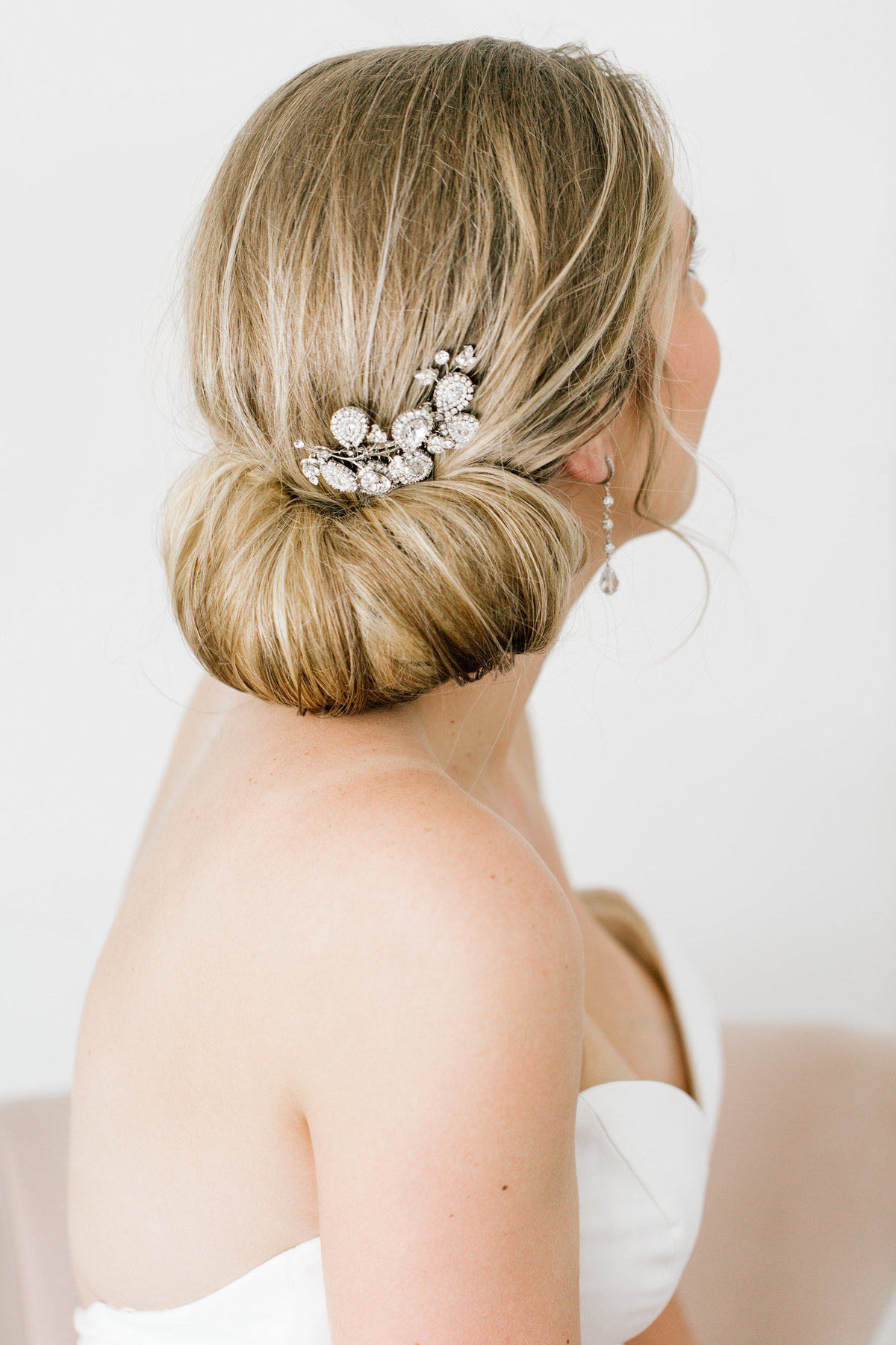 bride from back looking up with hairpiece