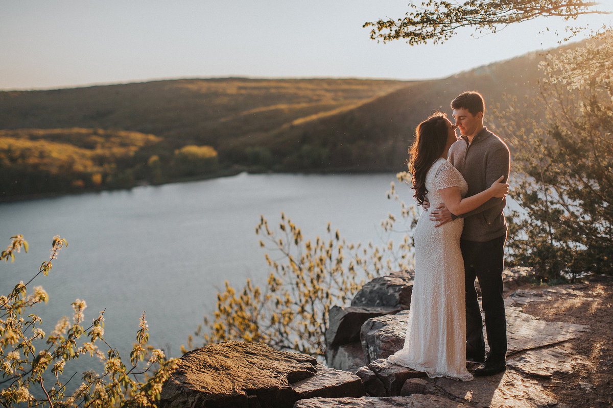 sunset engagement photography at devils lake state park in wisconsin