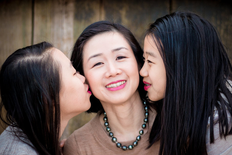 family picture mother and daughter kiss love