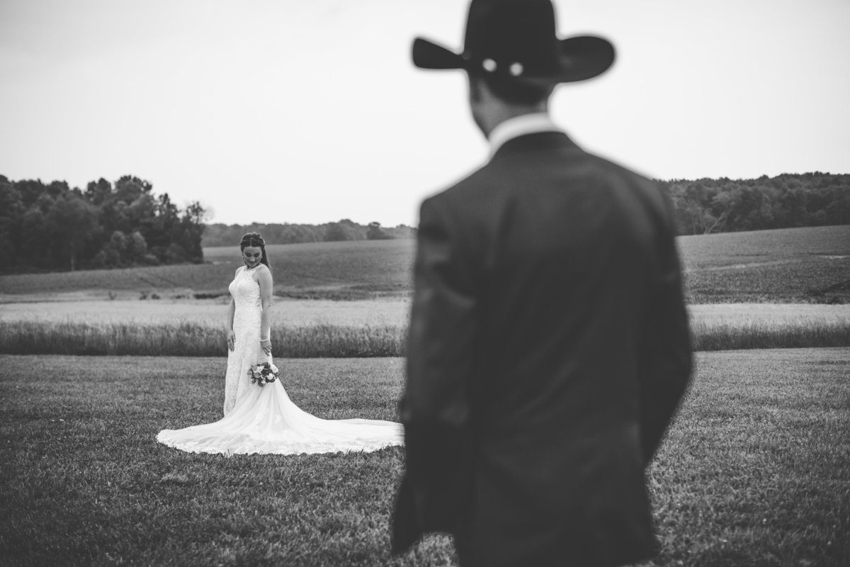 Nsshville Bride - Nashville Brides - The Hayloft Weddings - Tennessee Brides - Kentucky Brides - Southern Brides - Cowboys Wife - Cowboys Bride - Ranch Weddings - Cowboys and Belles077