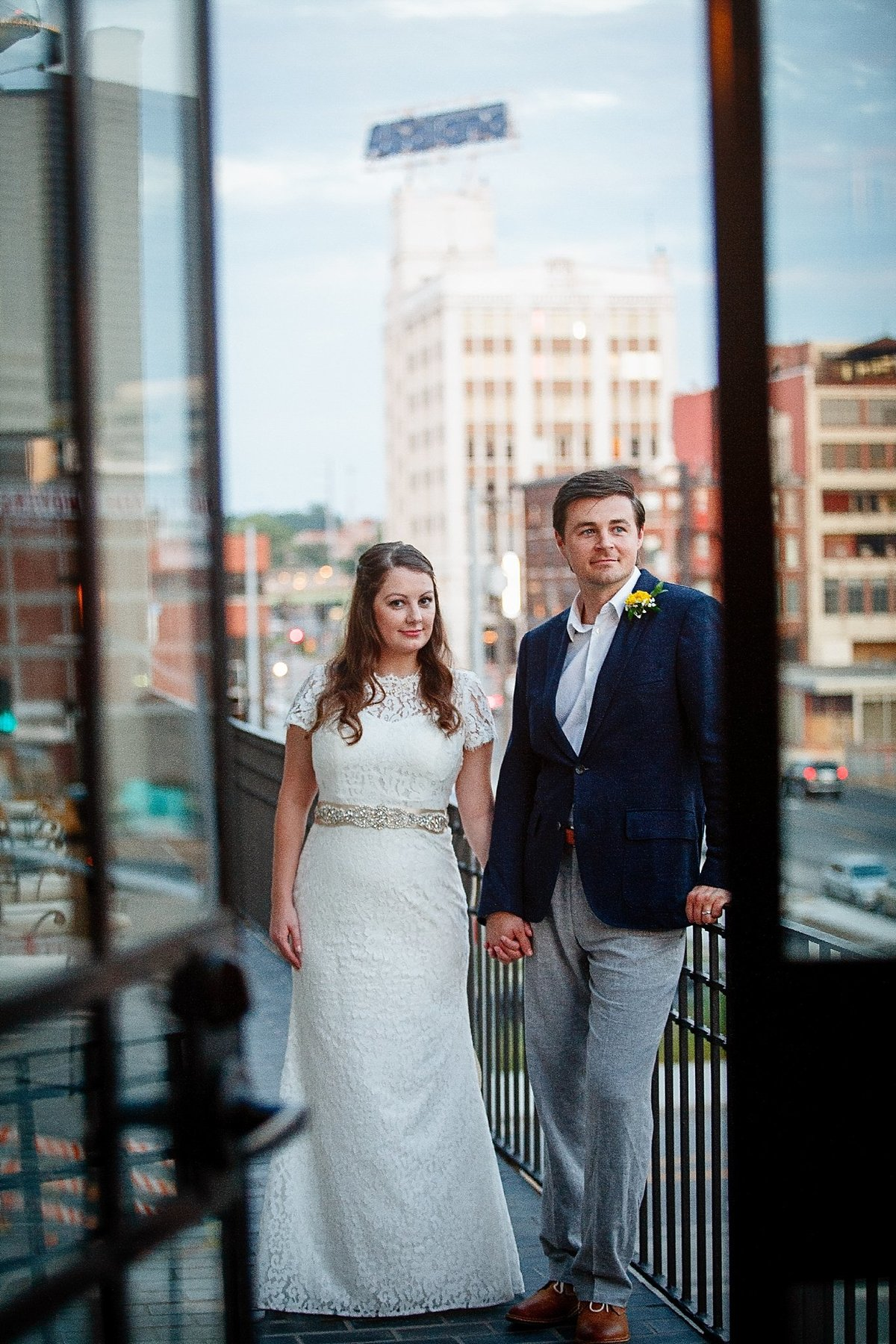 00100kansas_city_rooftop_wedding