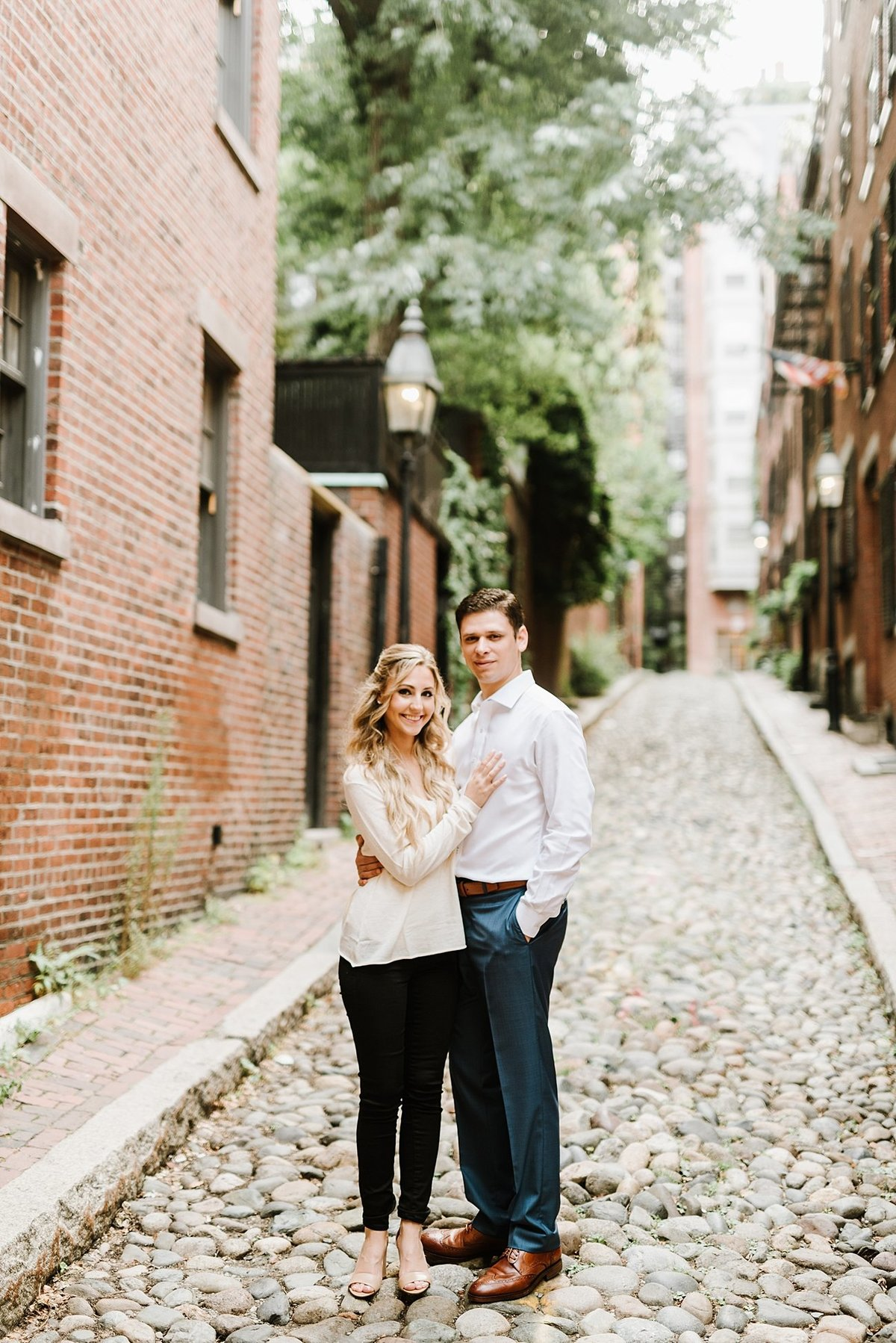 boston-public-garden-beacon-hill-boston-wedding-photographer-engagement-photo_0011