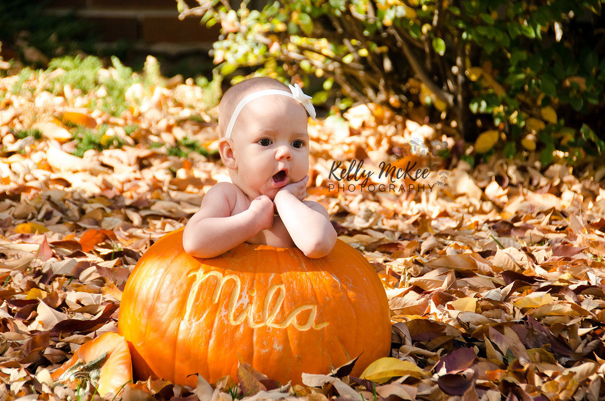 baby-in-pumpkin