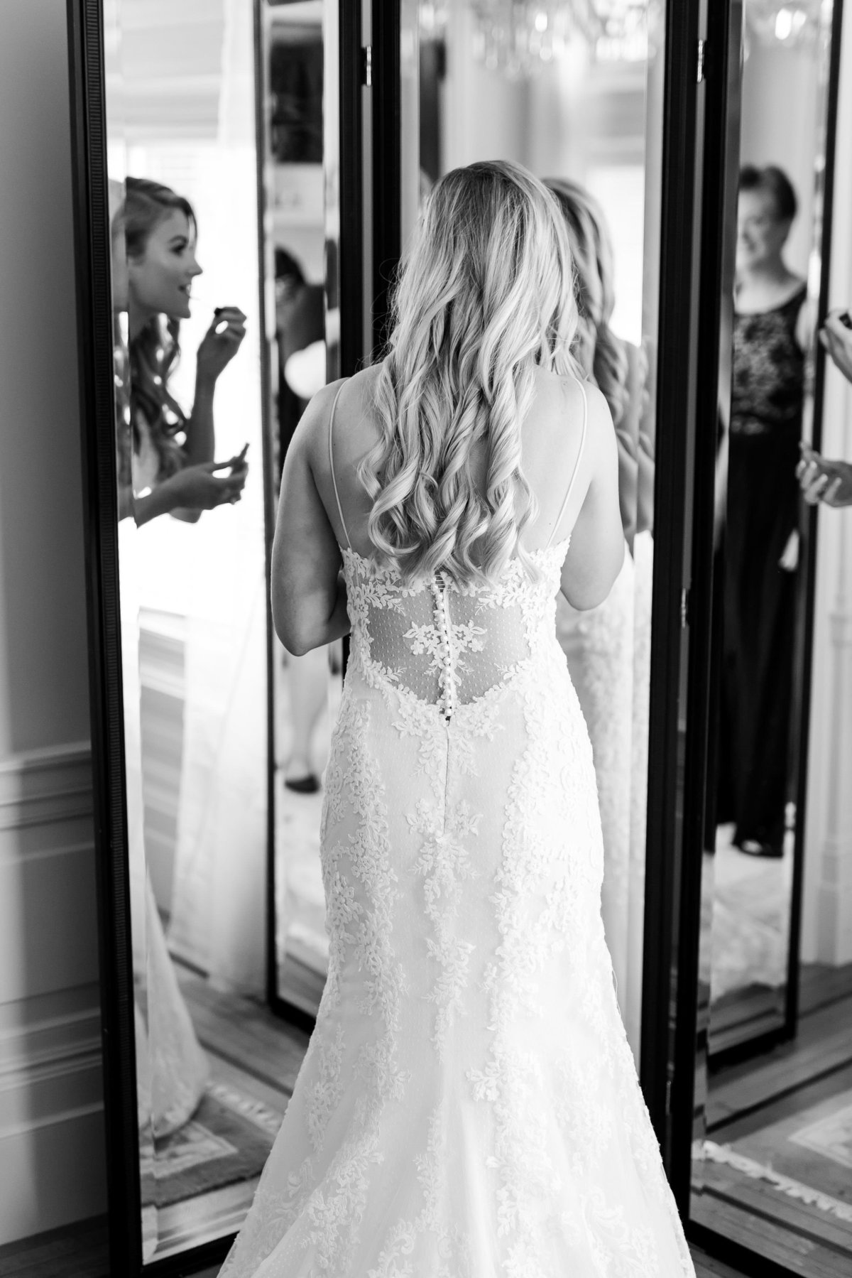 Maison Meredith Photography Wisconsin Wedding Photographer Real Wedding Two 016'