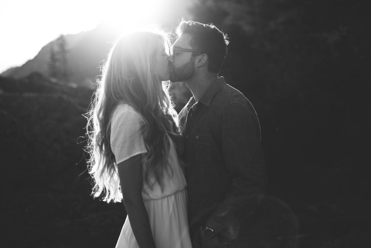 021_Erica Rose Photography_Anchorage Engagement Photographer_Featured