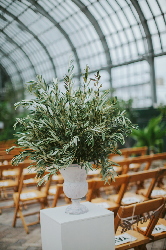olive_branch_arrangments_garfield_park_conservatory_chicago_wedding_florist_life_in_bloom